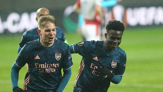 Fotbalisté Arsenalu při čtvrtfinále Evropské ligy proti Slavii