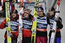 Rakušané vyhráli skoky na lyžích družstev. Zleva Gregor Schlierenzauer, Thomas Morgenstern, Martin Koch a Wolfgang Loitzl.