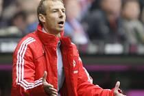 Jürgen Klinsmann se nestačil divit svým očím.