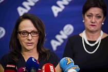 Adriana Krnáčová a Radmila Kleslová