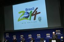 """V sídle FIFA ve švýcarském Curychu se rozhodlo. Jediná obálka a jediný podpis zpečetil sen mnoha generací """"kanárků"""" na pořádání fotbalového mistrovství světa v roce 2014."""