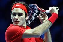 Roger Federer na Turnaji mistrů v Londýně proti Davidu Ferrerovi.