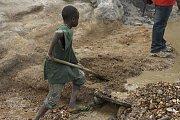 Dětská práce v afrických dolech