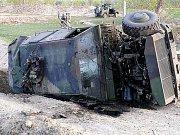 Obrněný vůz Dingo po výbuchu miny