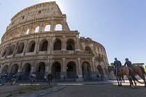 Římské Koloseum, jedna z nejznámějších světových památek