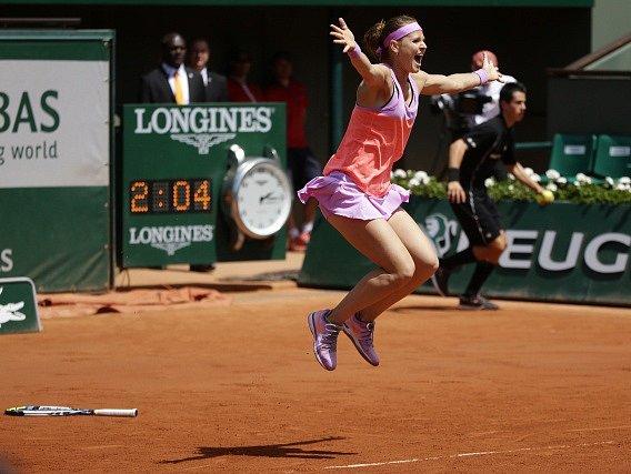 Lucie Šafářová a její radost po vítězství ve čtyřhře