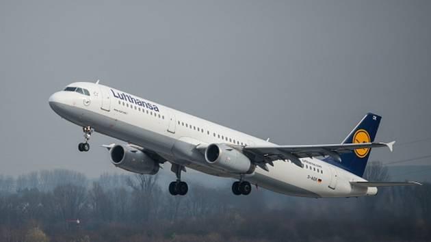 Po teroristických útocích na Spojené státy z 11. září 2001 letecké společnosti zpřísnily bezpečnostní opatření v letadlech, znemožnily mimo jiné jednoduché otevření dveří kokpitu z kabiny.