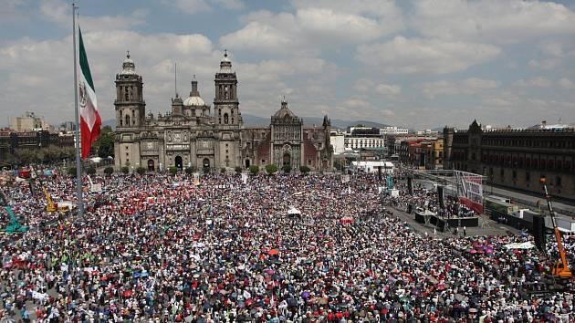 Náměstí El Zócalo, Mexiko City