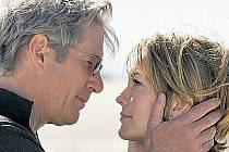 Richard Gere a Diane Laneová se znovu setkávají ve filmu – do třetice všeho dobrého tady ale tentokrát neplatí