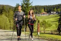 Kouzlo nordic walkingu spočívá v tom, že zapojujete nejen dolní končetiny, ale i ruce