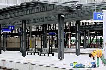 Nástupiště pražského Hlavního nádraží v novém
