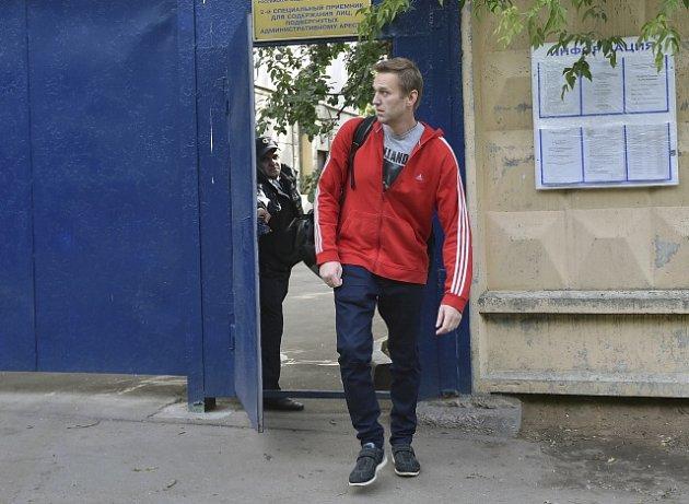 Ruský opoziční předák Alexej Navalnyj opouští vězení