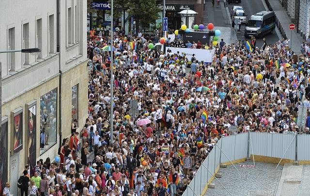 Pochod hrdosti leseb, gayů, bisexuálů a transsexuálů konaný v rámci osmého ročníku festivalu Prague Pride vyšel 11. srpna 2018 z Václavského náměstí v Praze na Letnou.