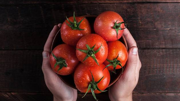 Sezona rajčat, která dozrála na slunci, je velmi krátká.