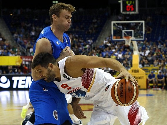 Itálie na ME v basketbale zdolala Španělsko