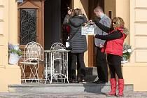 Televize Prima připravuje nový úsměvný rodinný seriál Svatby v Benátkách.
