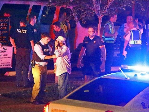 Devět obětí si vyžádala střelba útočníka, který ve středu večer místního času vnikl do kostela v Charlestonu v americkém státě Jižní Karolína.