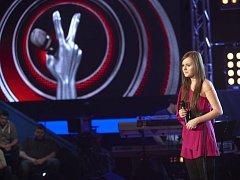 V prvním Rozhodnutí vypadli ze soutěže Hlas Česko Slovenska Veronika Vrublová (na snímku) a Michal Chrenko.