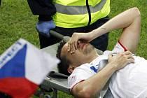 Marek Matějovský na Euru dohrál. V první půli si přetrhl vazy v kotníku.