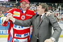 Legendy pardubického hokeje Dominik Hašek s Bohuslavem Šťastným.