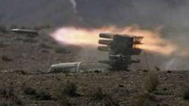 Snímek z nedávného íránského vojenského cvičení v Perském zálivu.