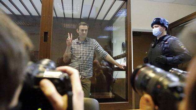 Alexej Navalnyj před moskevským soudem.