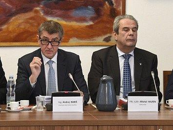 Premiér v demisi Andrej Babiš a nyní již bývalý šéf GIBS Michal Murín