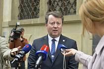 Odstupující ministr kultury Antonín Staněk