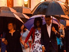 Obama si s rodinou prohlédl staré centrum Havany.