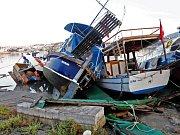Následky zemětřesení a tsunami na ostrově Kos.
