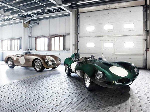 Jaguar C-Type (vlevo) a D-Type.
