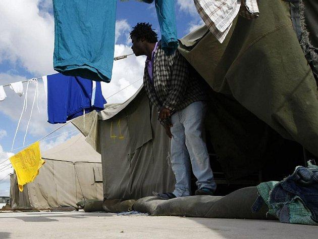 Lidé bez střechy nad hlavou se možná budou moci brzy přesunout z ulic do stanů.