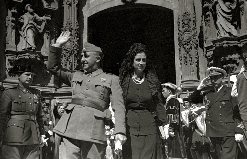Franco vládl ve Španělsku od roku 1939 do své smrti v roce 1975.