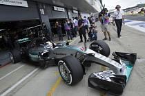 Lewis Hamilton ovládl kvalifikaci na Velkou cenu Británie
