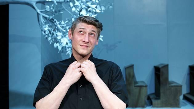 Jacob Erftemeijer v inscenaci hry Adamova jablka