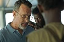 Thriller Kapitán Phillips, který vstoupil ve čtvrtek do českých kin, je vlastně filmovou studií přepadení americké nákladní lodi Maersk Alabama somálskými piráty, ke kterému došlo v roce 2009.