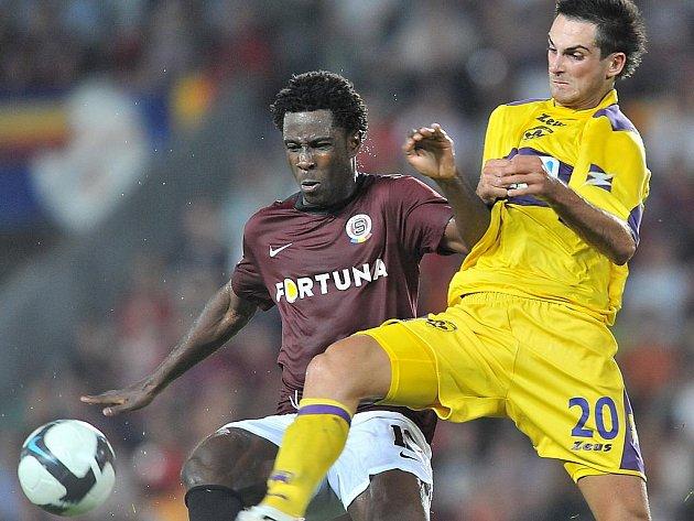 Sparta - Maribor: Bony Wilfried (vlevo) a Miral Samardžič.