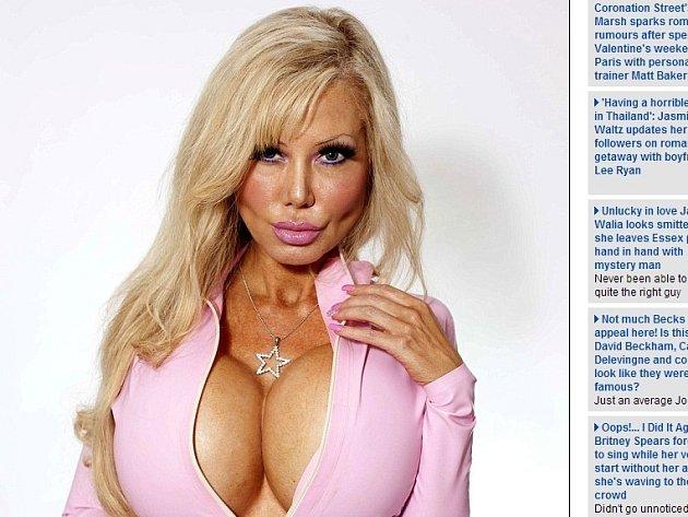 Osmatřicetiletá Blondie Bennettová z Kalifornie