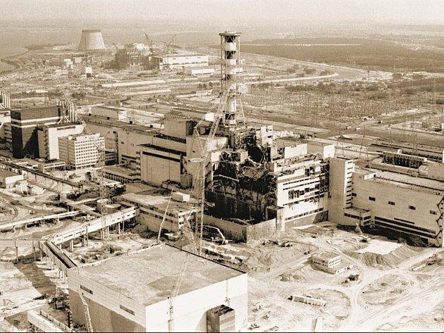 DLOUHODOBÝ DOPAD. Následky havárie černobylské jaderné elektrárny pociťuje Evropa i po třiceti letech.