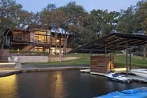 Dům u jezera v Texasu