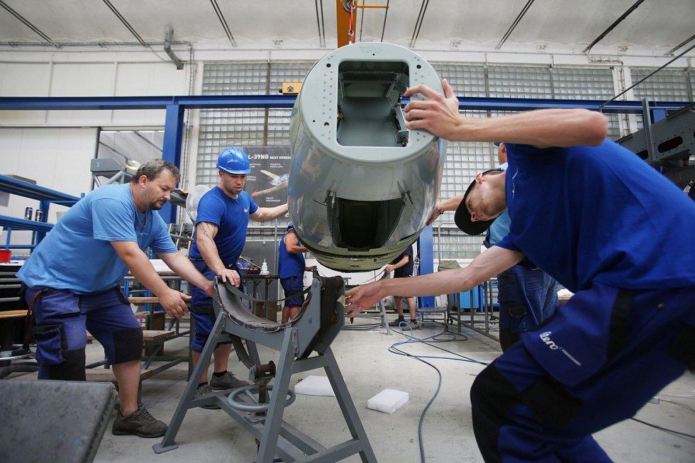 V Aero Vodochody pokračuje montáž prvního kusu nového letounu L-39NG.