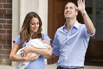 Kate a William se svým prvorozeným synem.