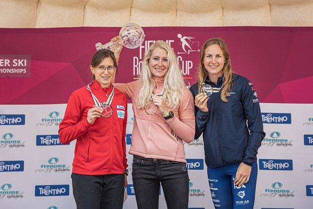 Sandra Schützová sdruhou Slovenkou Alenou Procházkovou (vlevo) a třetí Švédkou Linn Sömskarovou.
