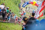 Red Bull 400, extrémní závod v běhu na skokanský můstek K120 v Harrachově proběhl 12. srpna již po čtvrté. V Rámci doprovodného programu předvedl svou show letecký akrobat Martin Šonka.