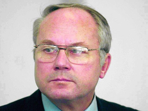 Expert na jadernou energetiku a vysokoškolský pedagog František Hezoučký.