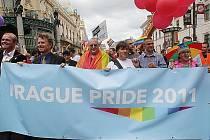 Průvod Prahou při gay festivalu Prague Pride 2011