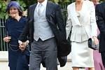 Mezi hosty se objevil i zpěvák Robbie Williams s manželkou i matkou