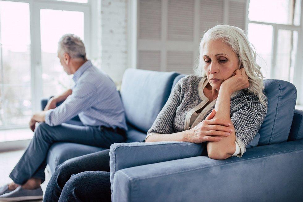 Potíže s rozvody svých rodičů-seniorů ale mívají i jejich potomci, tedy děti a vnoučata…