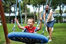 Děti, dětské hřiště, bezpečnost. Ilustrační foto