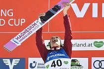 Piotr Žyla z Polska se raduje 15. února 2020 ze svého vítězství v závodu v letech na lyžích v Bad Mitterndorfu.